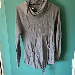 Old Navy maternity top.